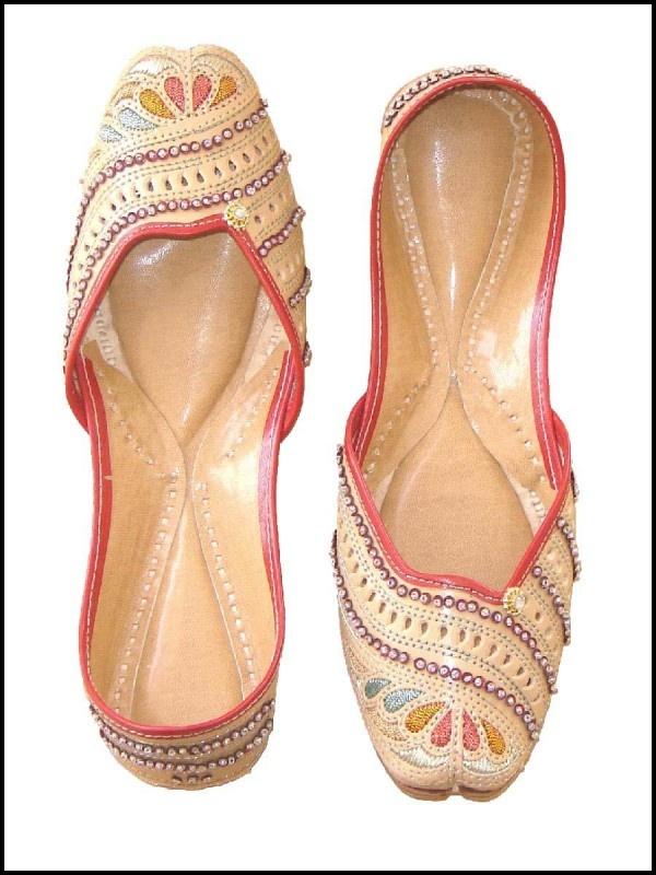 Beautiful Punjabi Khussa Shoes Trends in Asia - Latest Designs  (19)