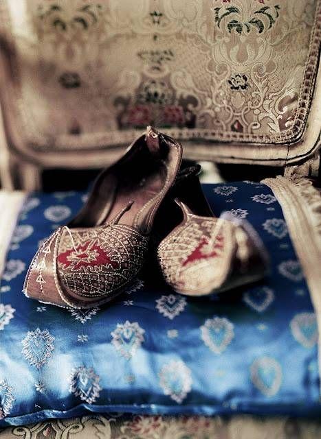 Beautiful Punjabi Khussa Shoes Trends in Asia - Latest Designs  (3)
