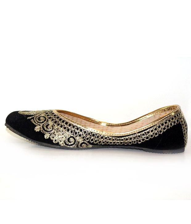 Beautiful Punjabi Khussa Shoes Trends in Asia - Latest Designs  (5)