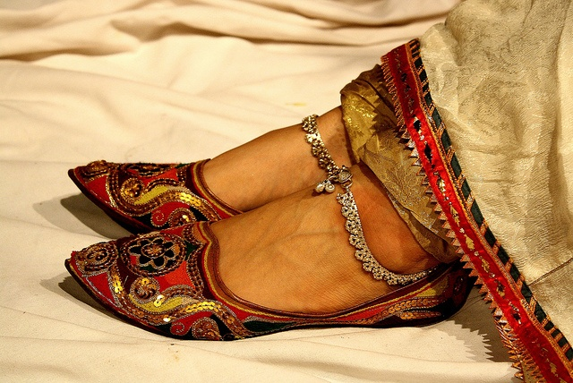Beautiful Punjabi Khussa Shoes Trends in Asia - Latest Designs  (8)