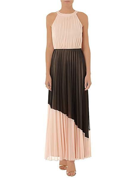 Latest Women Long Maxi Style Gown Dresses Designs Collection for Women