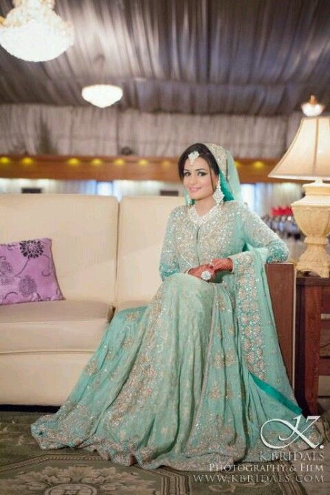 Latest Styles & Designs of Bridal Walima Dresses Collection 2015-2016 (4)