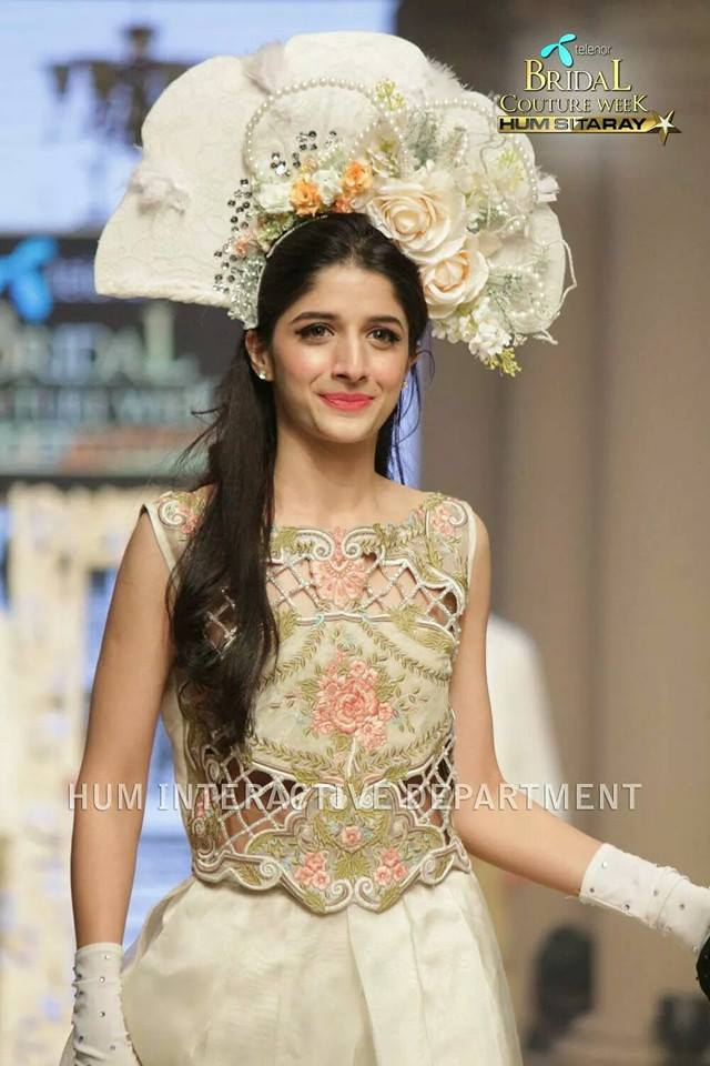 Maria B. La Roseraie (The Rose Garden) Modern Dresses Collection 2015 at Telenor Bridal Couture Week 2014-2015 (12)