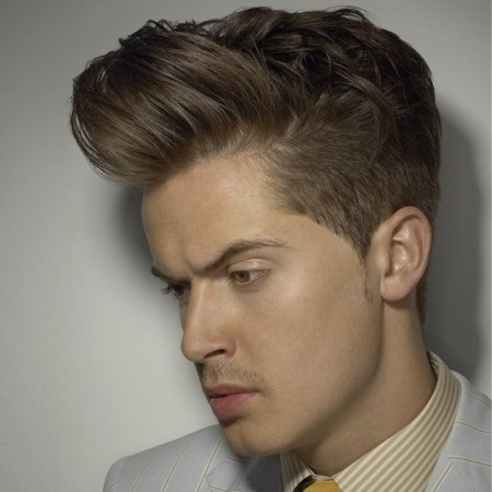 Most Popular & Latest Men Casual Short Hairstyles Trend & Ideas (7)