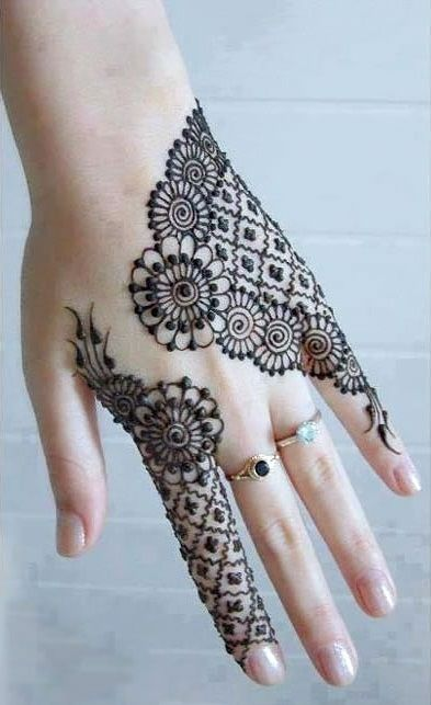 Latest Eid Mehndi Designs for Hands Feet Collection 2015-201 (13)