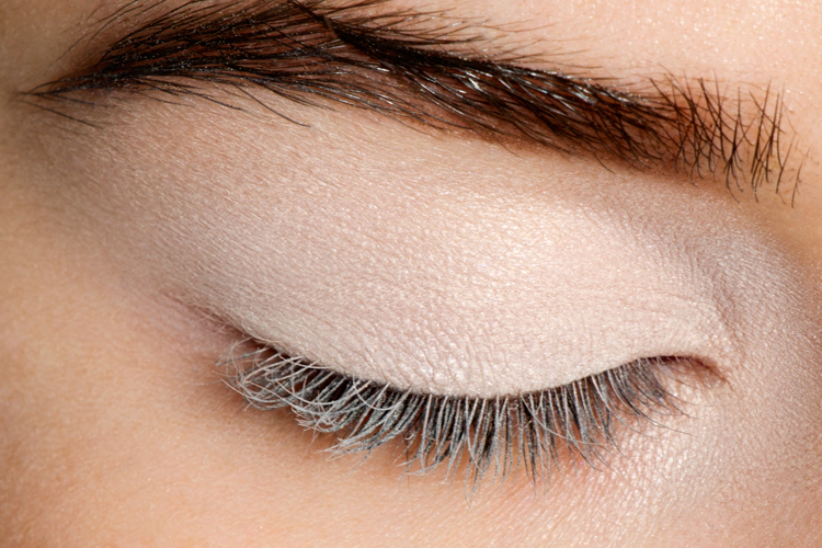 How to Apply Eyeliner Perfectly: Step by Step Tutorial