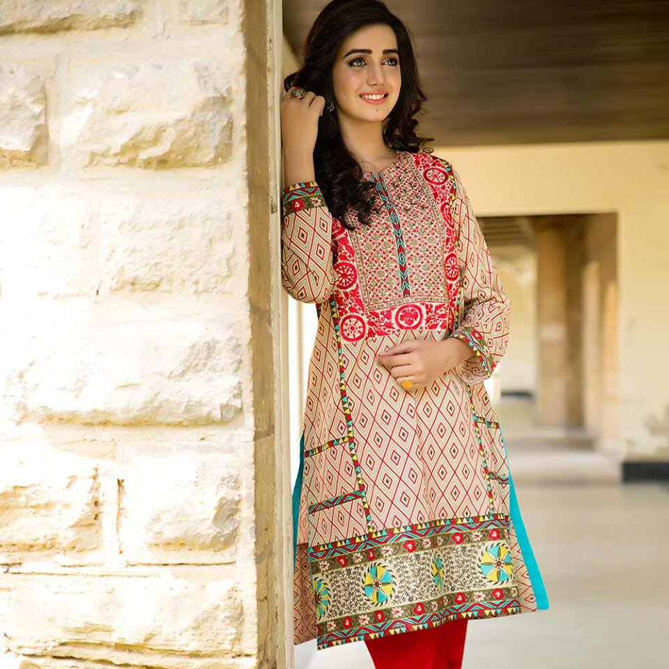 Trendy Ladies Summer Kurti Designs & Tunics Trends 2019