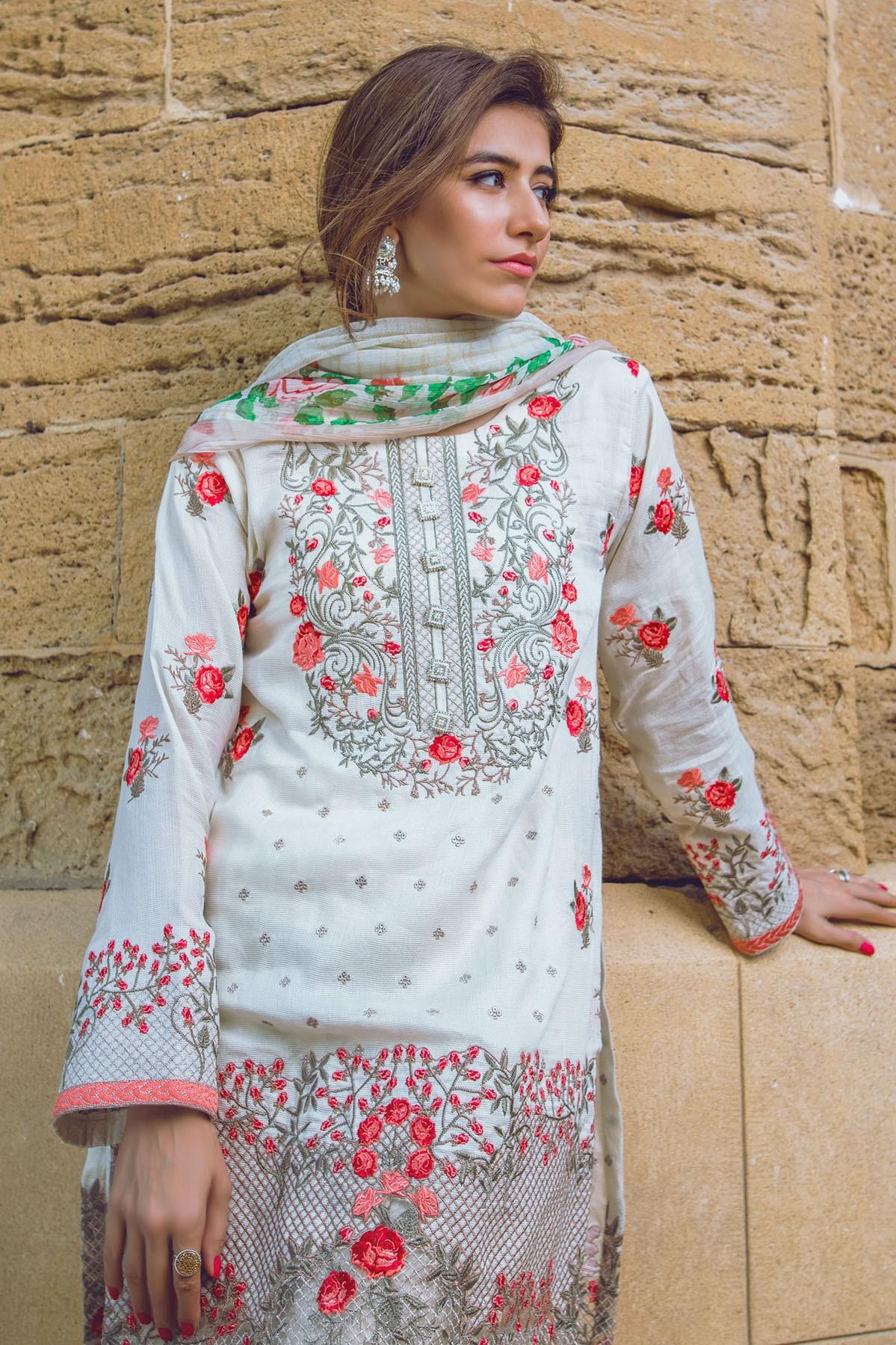 AlKaram Stylish Eid Dresses Festival Collection 2016-17 (15)