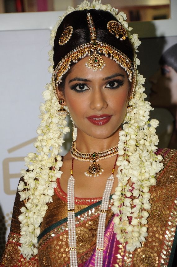 indian bridal makeup looks (11)