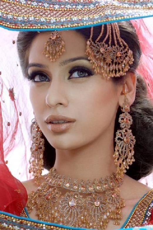 indian bridal makeup looks (8)