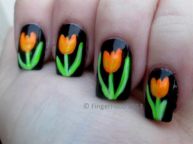 Floral Tulip Nail Arts for Christmas (6)