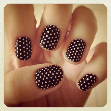 Lines and Polka Dot Nail Arts (4)