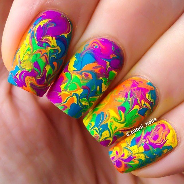 Water Marbling Nail-Art designs tutorial with steps for Christmas holidays  (2)