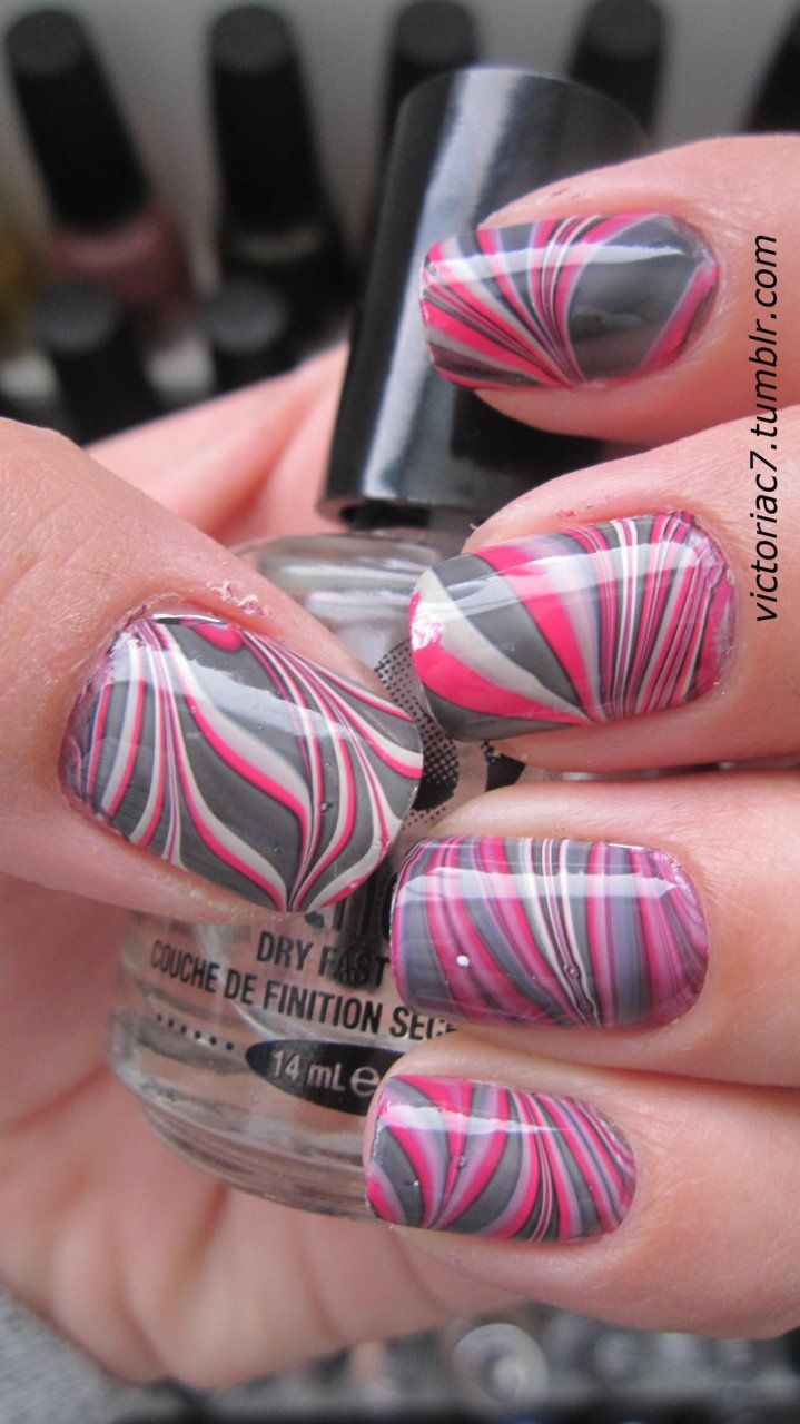 Water Marbling Nail-Art designs tutorial with steps for Christmas holidays  (5)
