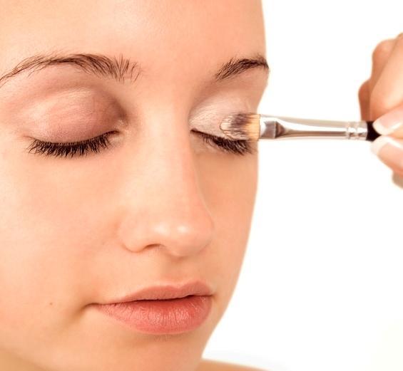 applying base & foundation, primer to eyes (3)