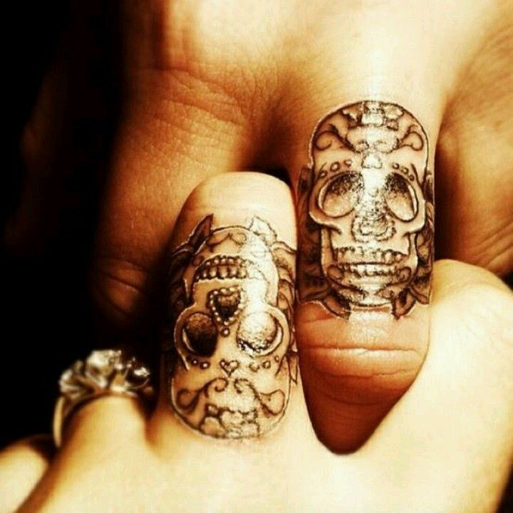 Fingers couple matching tattoos 1