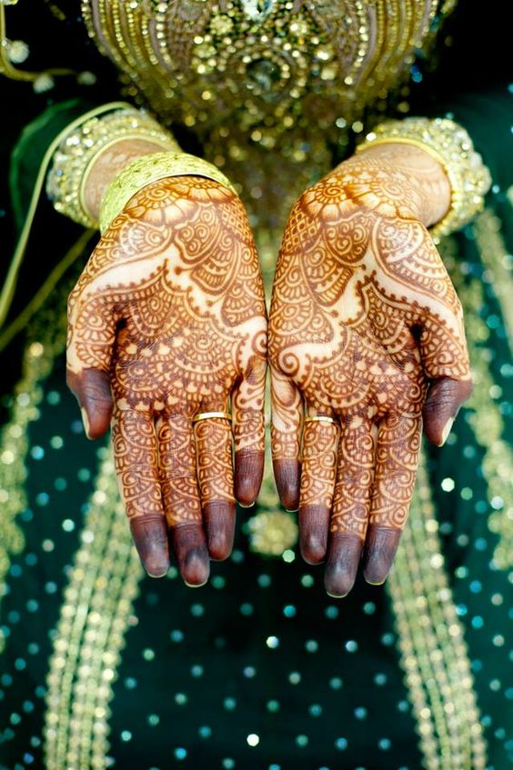 Latest Bridal Mehandi Designs Trends for Weddings (12)