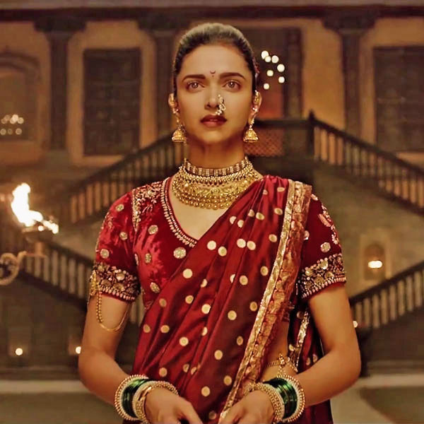 Deepika as Mastani in Anju Modi's Dresses Bajirao Mastani Collection (22)