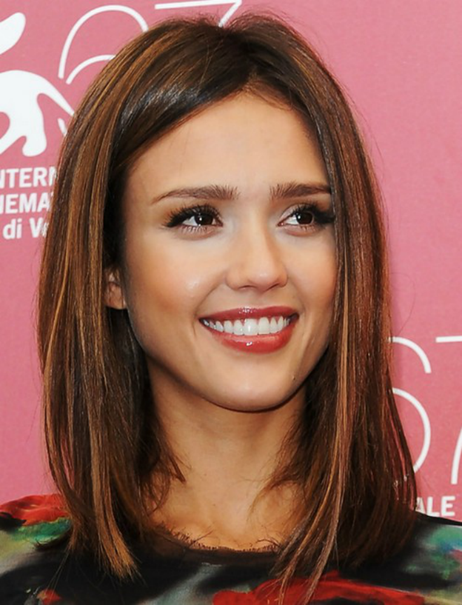 Jessica-Alba-medium-length-Hairstyle-blunt medium lenght cut