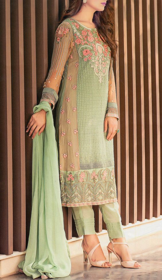 Party Wear Embroidered Dresses Designs Collection 2016-2017 (28)