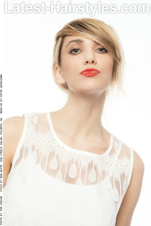 Short-Hairstyle-with-Side-Swept-Bangs-Front