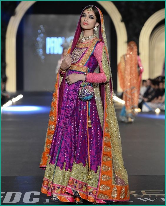Bridal Mehndi Dresses Collection (14)