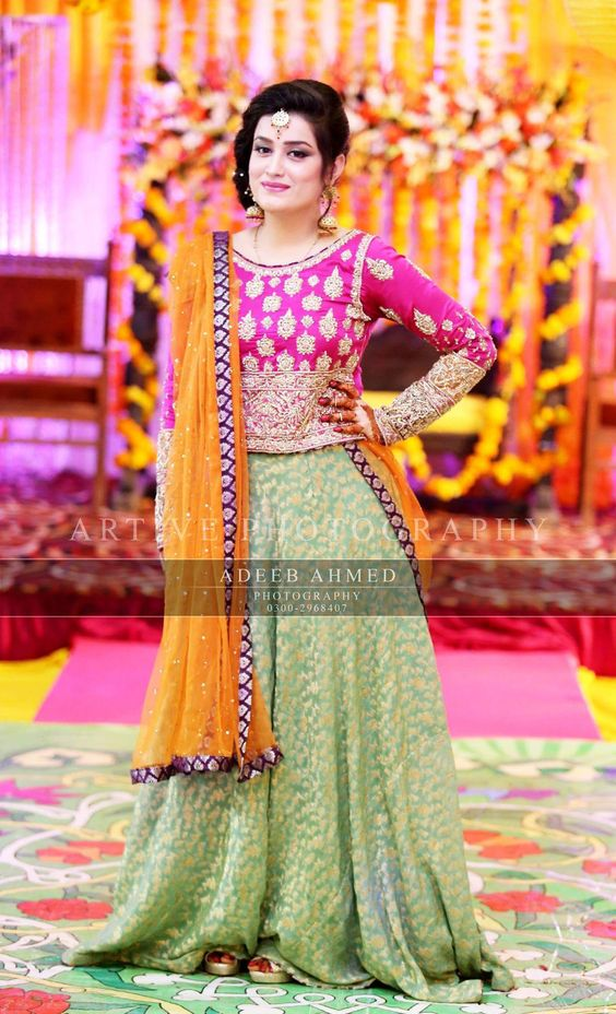 Bridal Mehndi Dresses Collection (15)