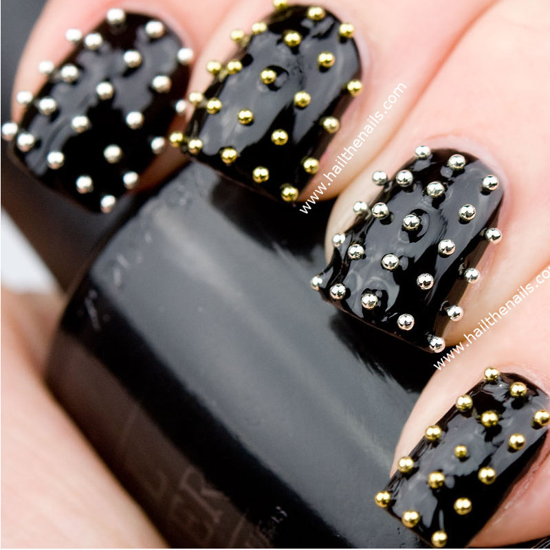black-metallic-top-5-easiest-amazing-winter-christmas-holidays-nail-art-designs