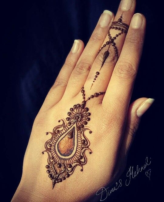 henna-tattoos-for-hands-2