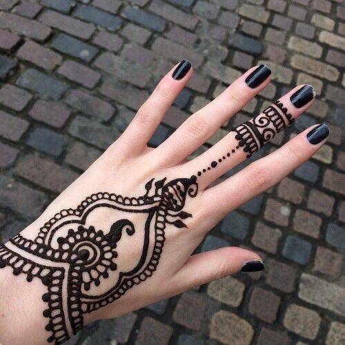 henna-tattoos-for-hands-4
