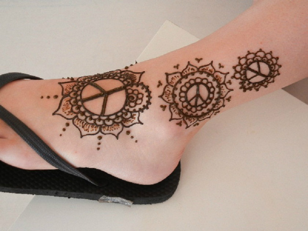 henna-tattoo-for-feet-ankle