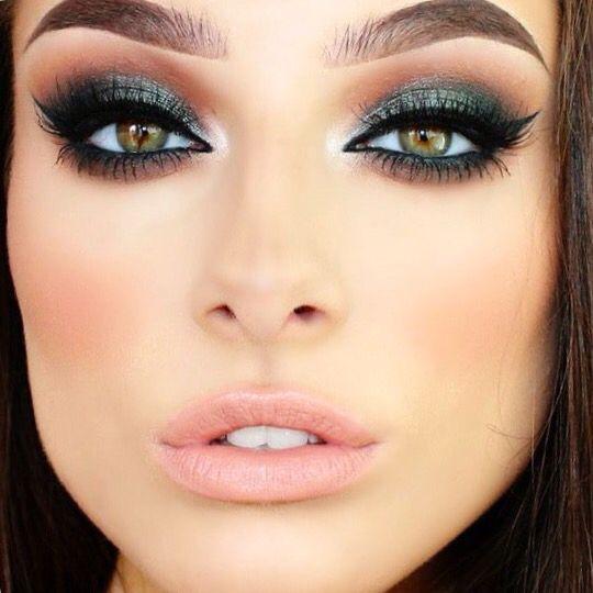 burst-of-green-christmas-makeup-2