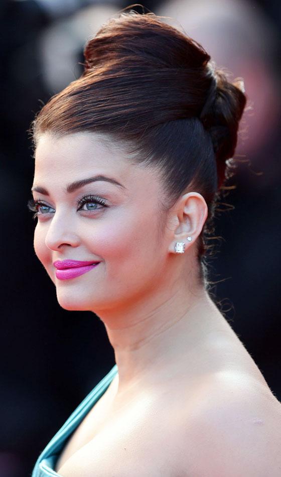 Aishwarya-Rai- Top 10 Famous Indian Celebrity Hairstyle Inspirations (1)