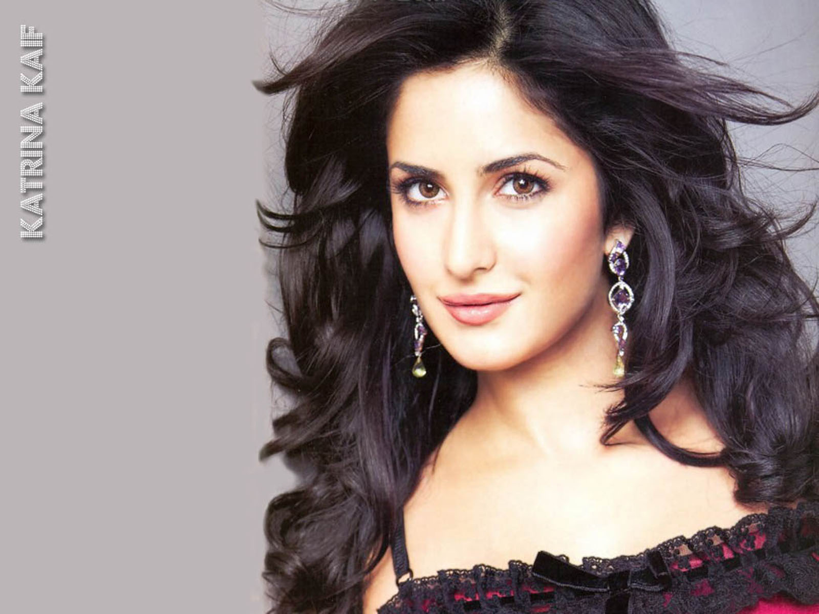 Katrina Kaif- Top 10 Famous Indian Celebrity Hairstyle Inspirations (2)