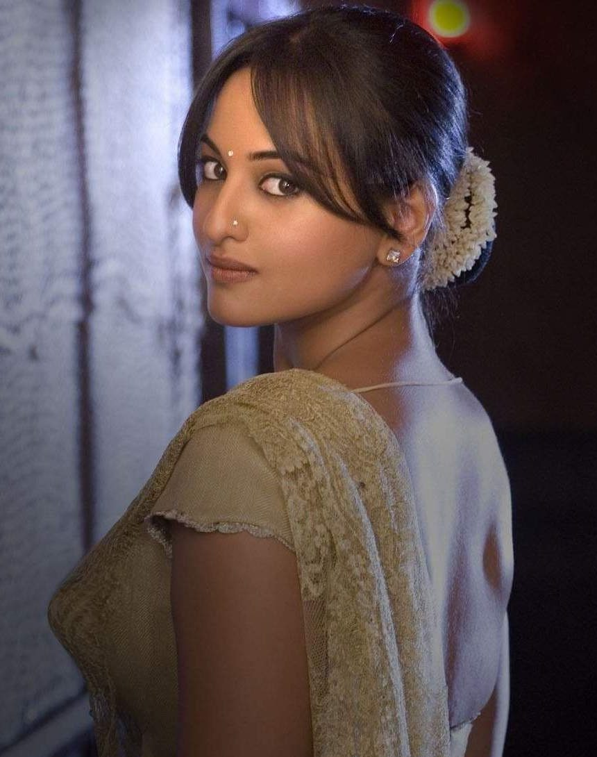 Sonakshi-Sinha-Top 10 Famous Indian Celebrity Hairstyle Inspirations (1)