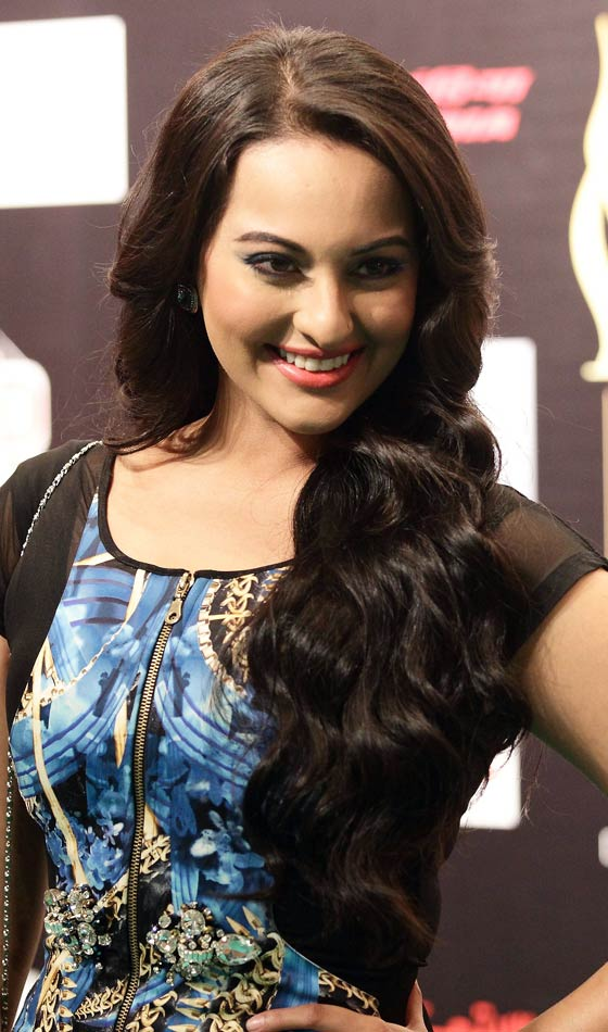 Sonakshi-Sinha-Top 10 Famous Indian Celebrity Hairstyle Inspirations (2)