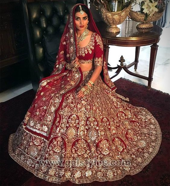444750fdd9e ... to look elegant on her wedding day. So this is exciting news for all  brides as there is a beautiful collection of Indian lehengas available this  year.