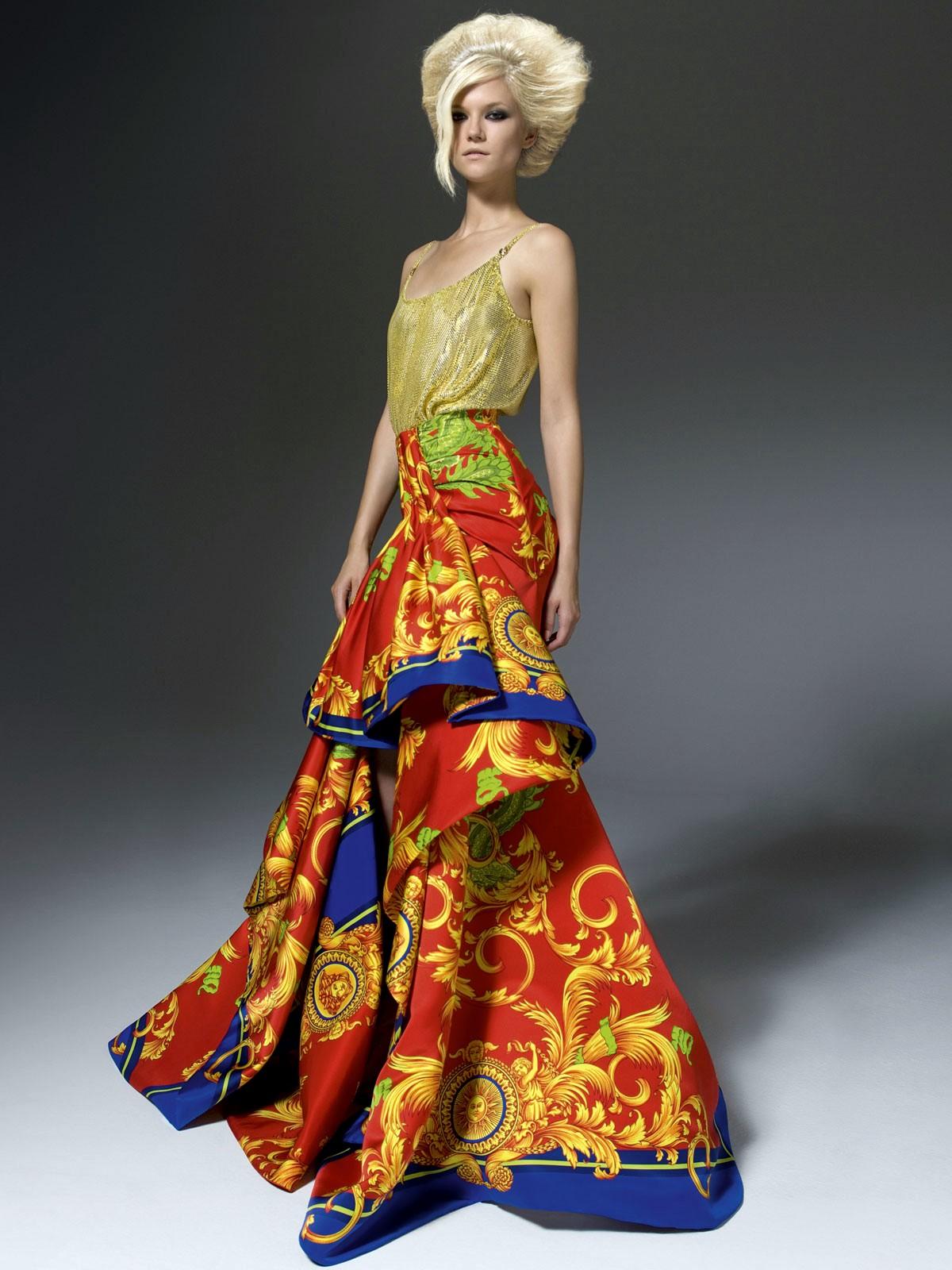 Versace Latest Clothing Men Women Trends for ladies Dresses (4)