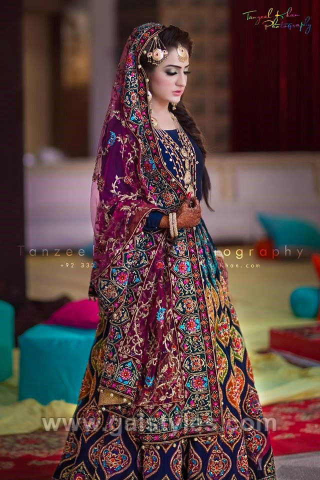 Latest Bridal Mehndi Dress Design Amp Trends Collection 2019